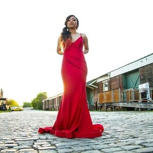 I am selling this red elegant Prom Dress !!